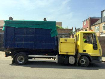 18-cubic-yard-roll-on-roro-wait-and-load-skip-rubbishcut