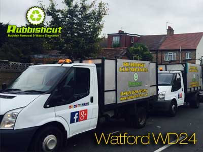watford rubbish removal vans wait and load wd24
